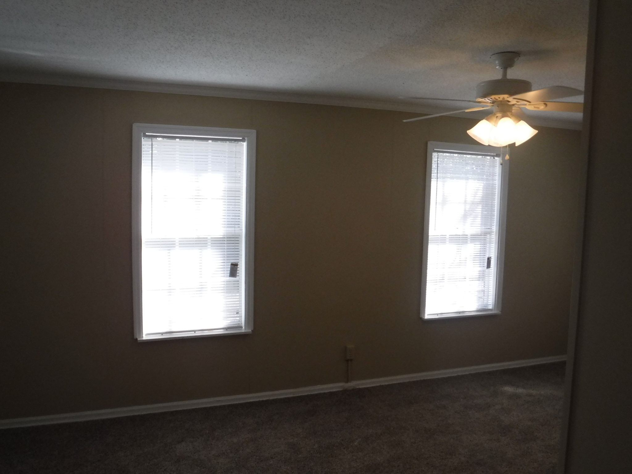 12 X 24 Separate Family Room With New Ceiling Fan And