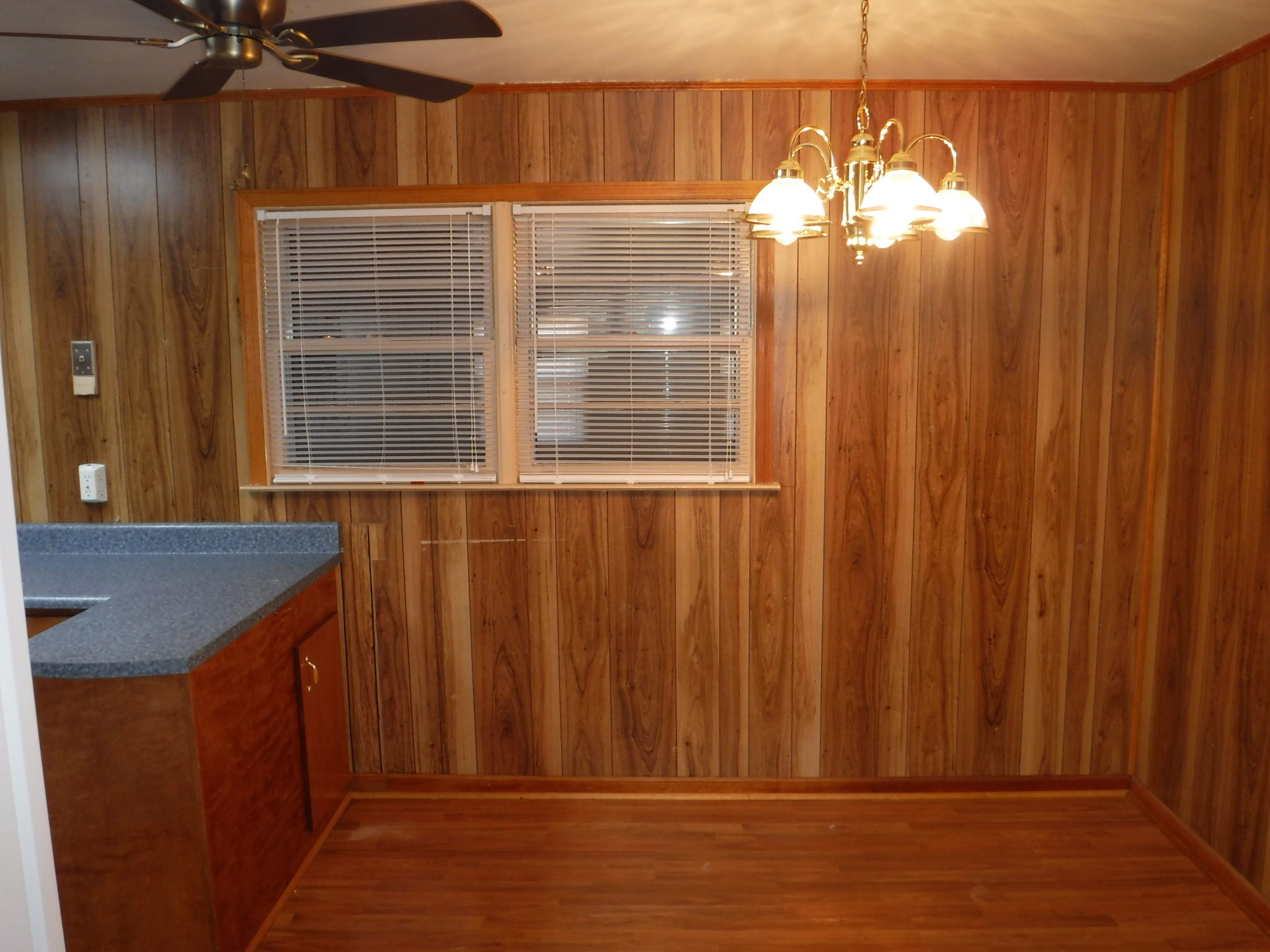 8 X 10 Separate Dining Room With Ceiling Fan Veteran S