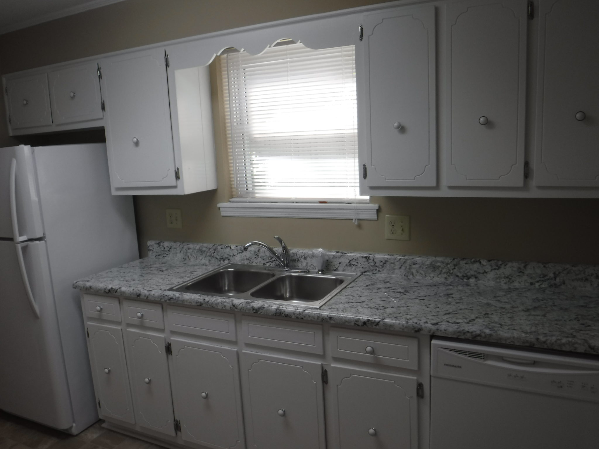 9 x 12 kitchen with new counter top and all new appliances rh veteransrealtyaugusta com 9x12 kitchen 9 x 12 kitchen designs