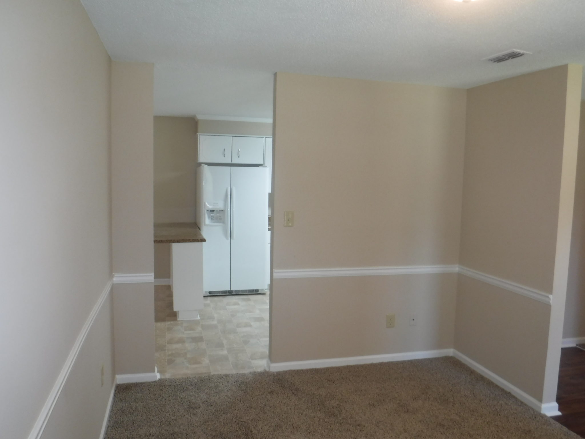 10 x 14 separate living room with door to family sized - Doors to separate kitchen from living room ...